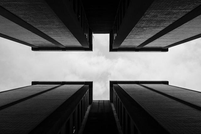 arquitectura en blanco y negro
